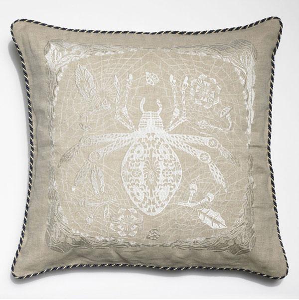 Spider_cushion01
