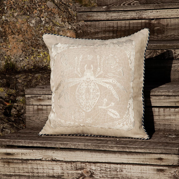 Spider_cushion03