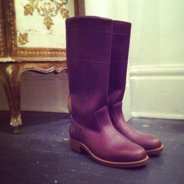 burgundy_boot