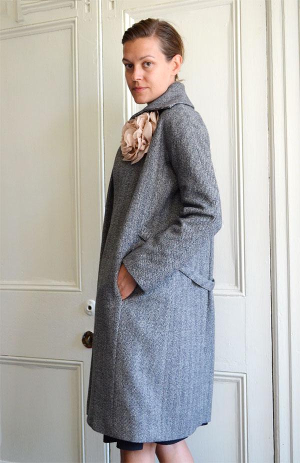 mercy_bw_wintercoat02